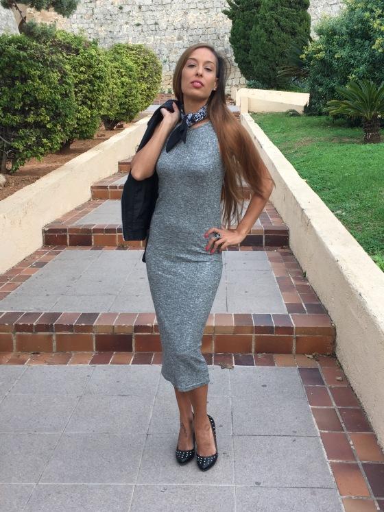 Vestido midi, cazadora, stilettos tachuelas, bandana, sombrero, ibiza fashion blog, eivissa, blog de moda