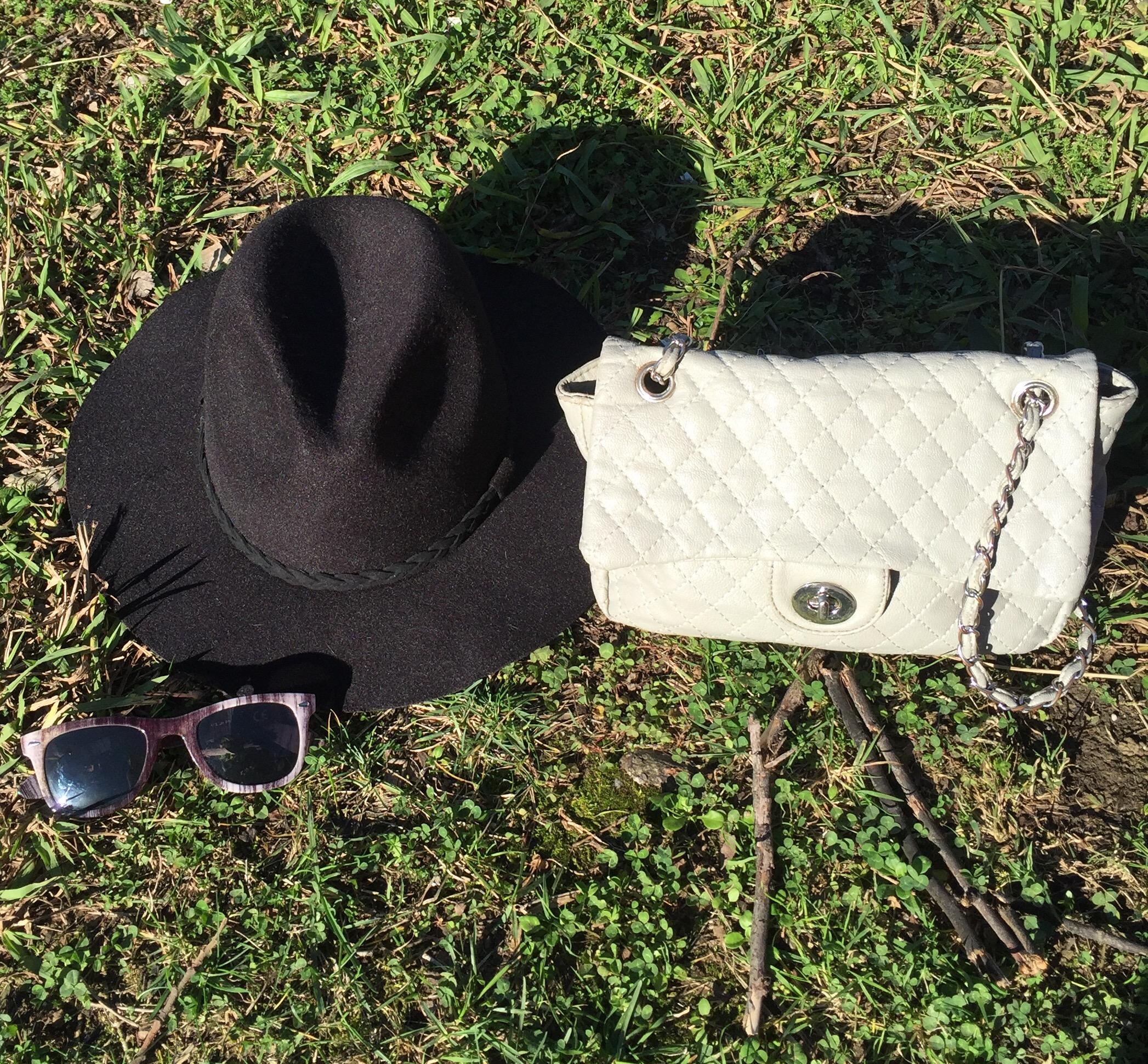 sombrero, gafas y gorro