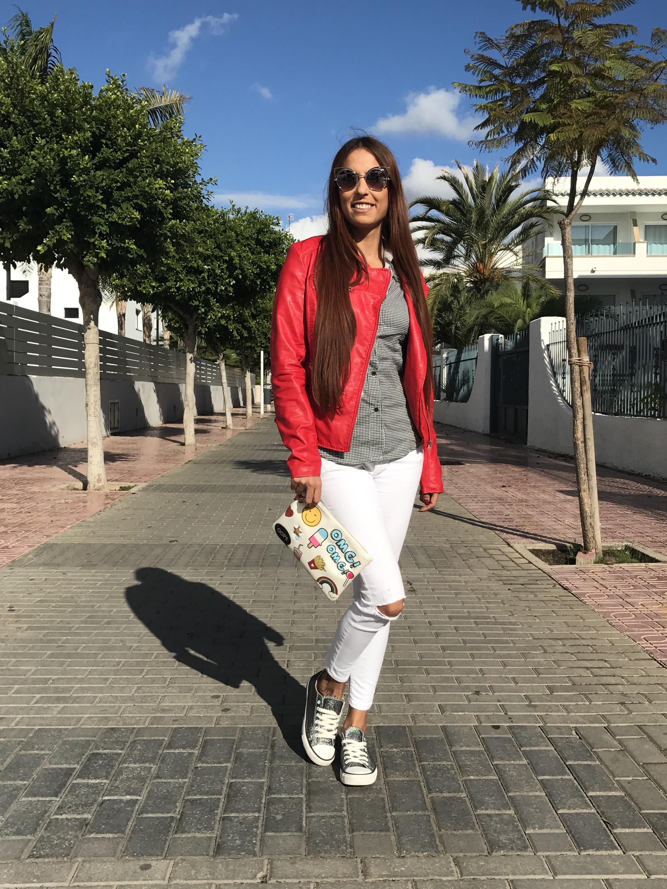 Looks con chaqueta de cuero roja