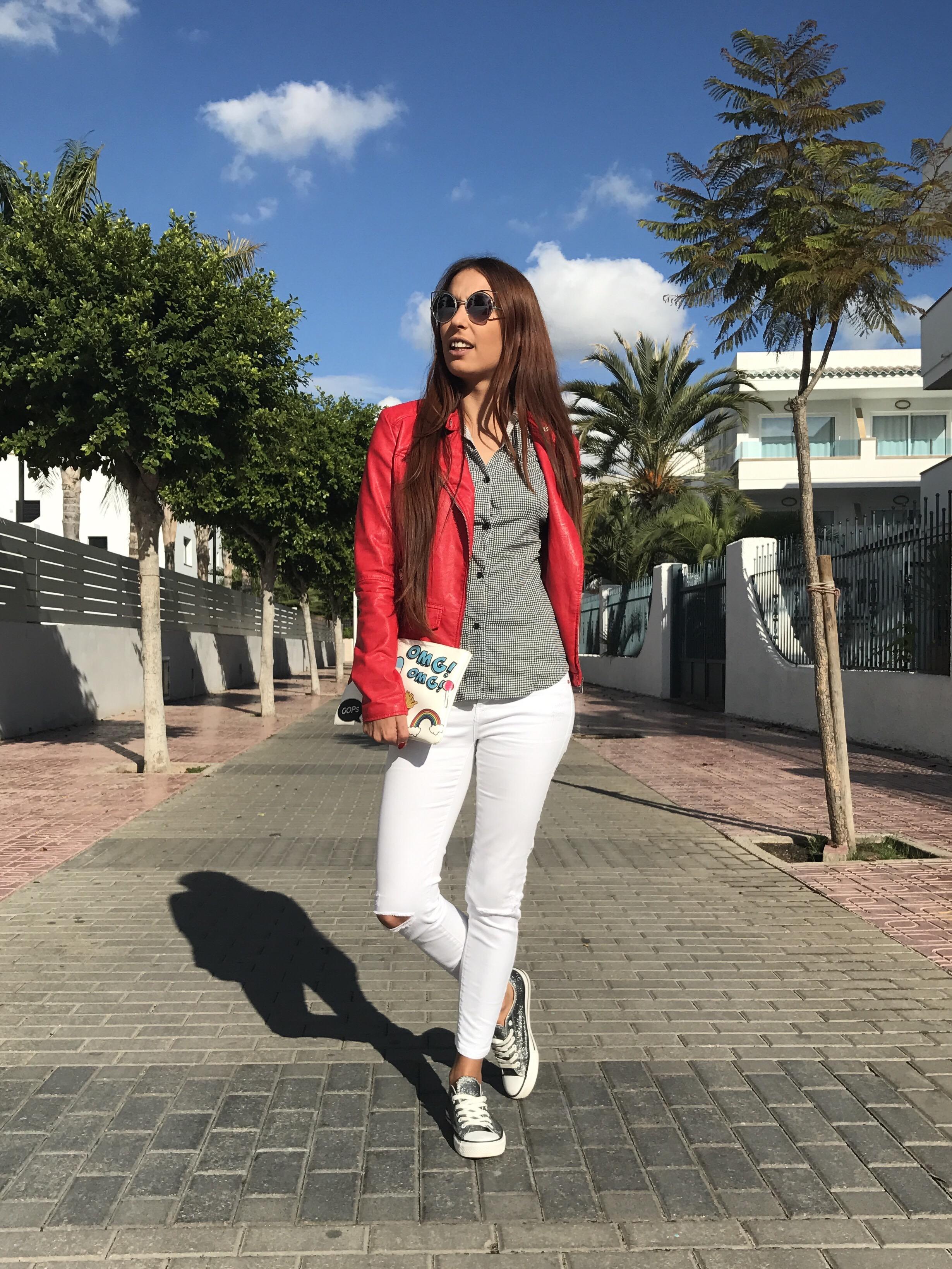 Como combinar un pantalón blanco: 4 looks para inspirarte