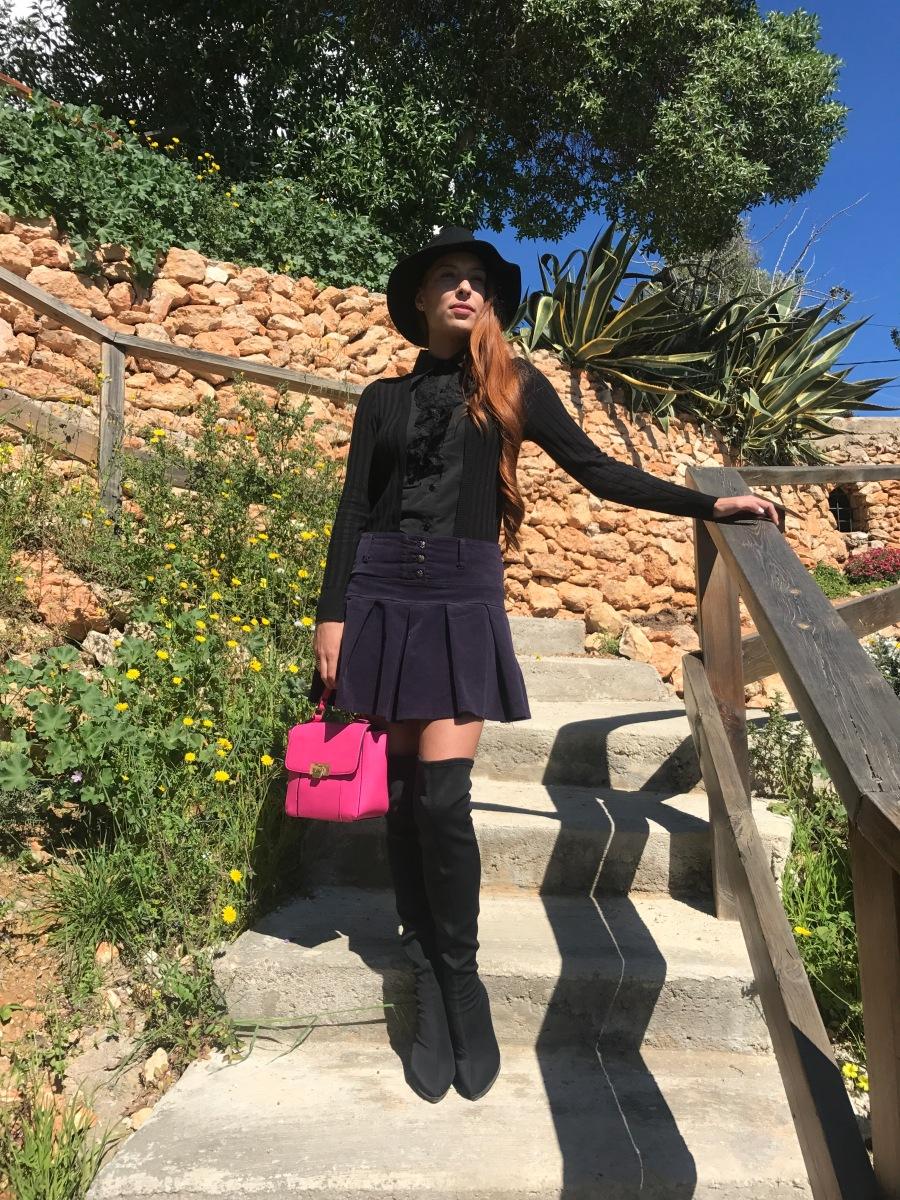 Look con falda morada