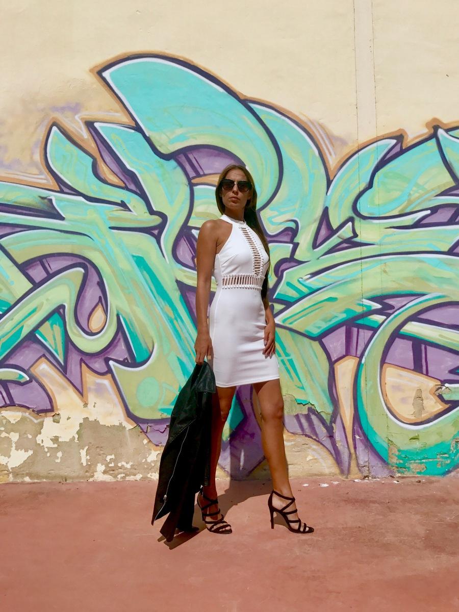 Look con vestido blanco de fiesta