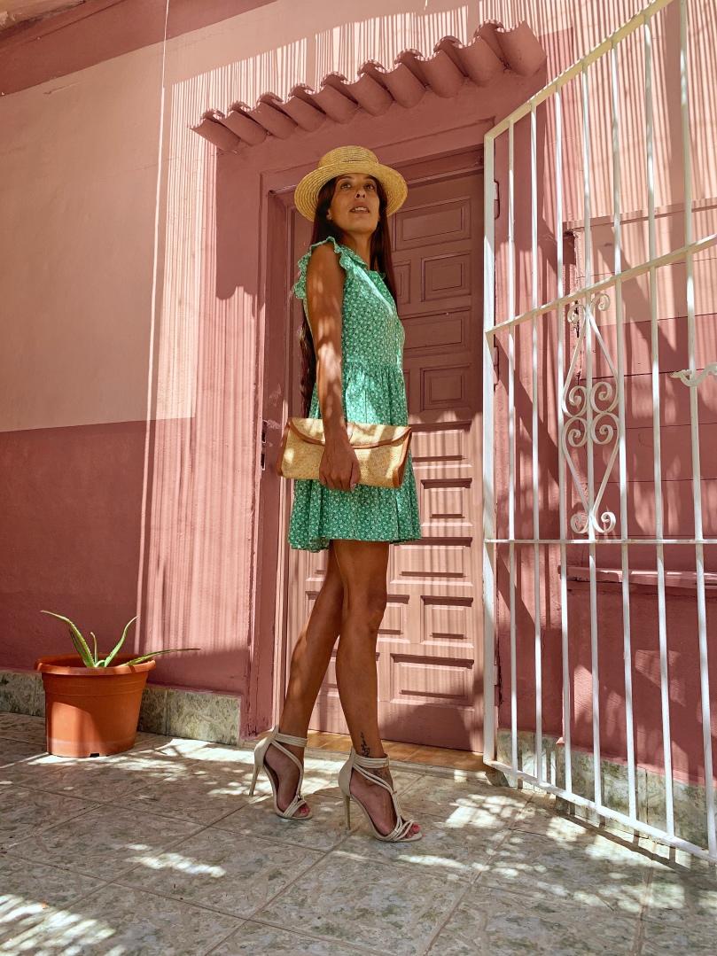 Look con vestido verde